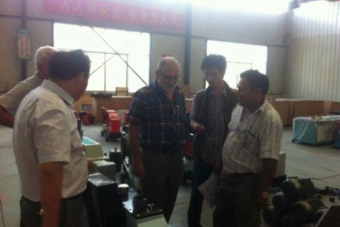 customer visitors are watching rebar cutting machine