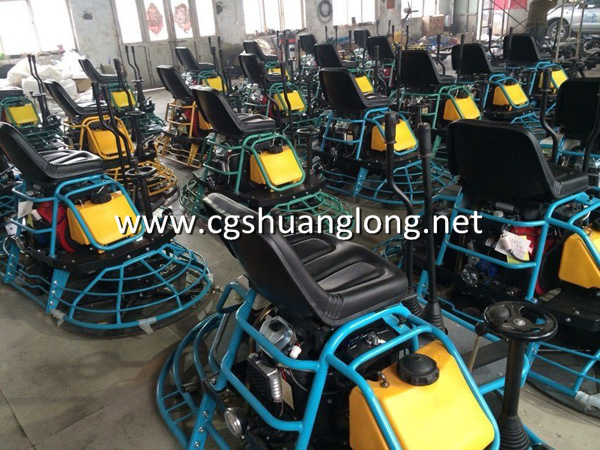 working scene of JS32 Honda gasoline ride on power trowel machine